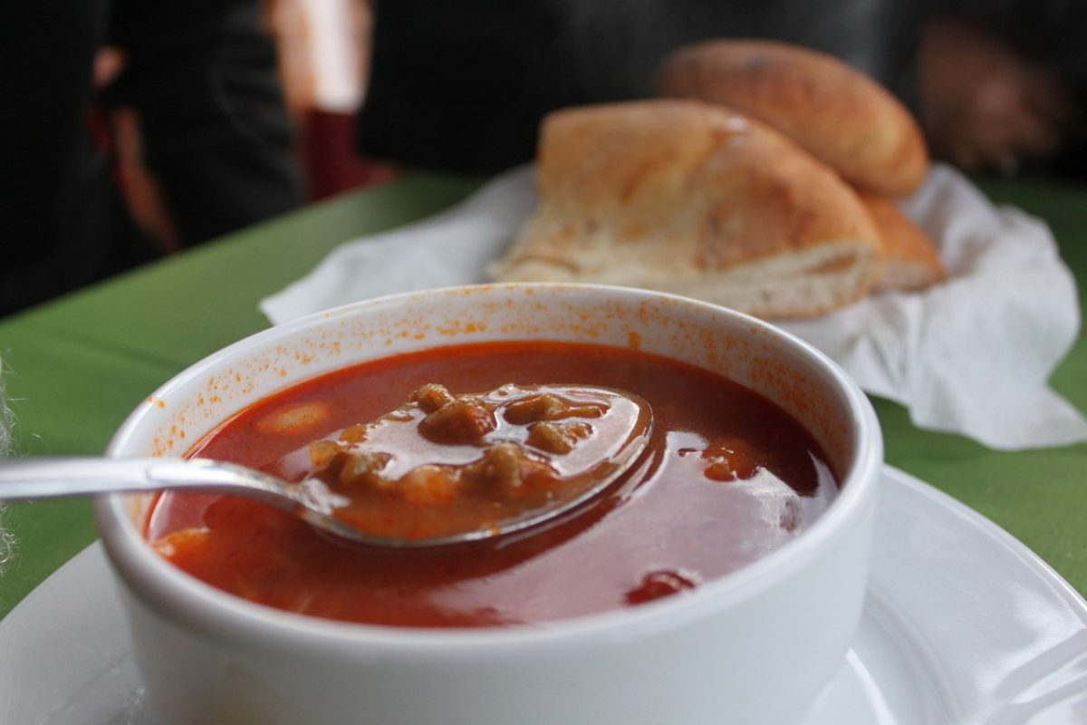 Kolejność gotowania zupy – co i kiedy?